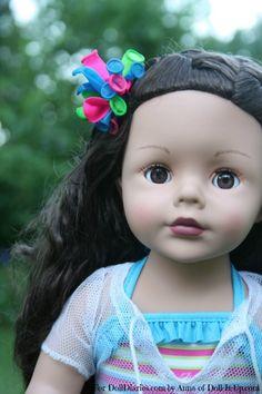 A Festive Balloon Hair Clip for Your Dolls!