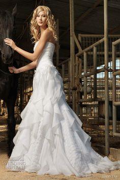 This dress is beautiful! #wedding #weddingdress