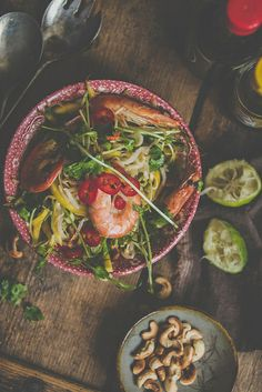 Bean sprout and mango salad with prawns