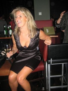 Obsessed with busty milf moms partys thumbs upping