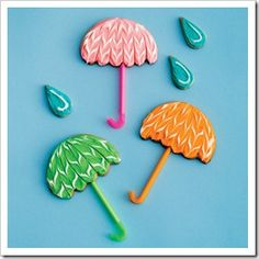 would definitely use the bendy straws for an umbrella craft!