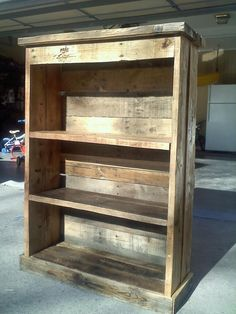 wood pallet ideas | The classic 4ft pallet bookcase. Would like to use in place of some tables