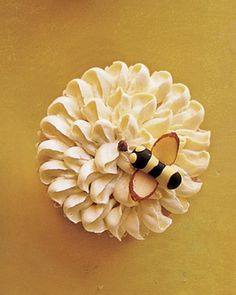 Marzipan Bumblebee on Piped Flower