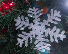 6 DIY Christmas Ornaments for Kids