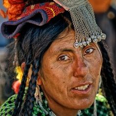 Brogpa woman by b. yves, via 500px.Brogpas or Dardes buddhist constitue an ethnic group of Ladakh fiercely independent and could believe in their Aryan origin