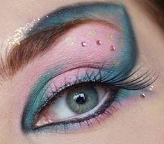 mermaid makeup, cotton candy, eye makeup, eyeshadow, blue