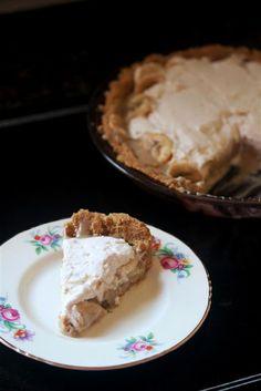 Kitchen Grrrls.: Vegan Banana Dulce de Leche Pie