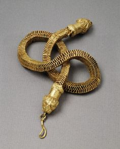 Necklace with Lion's-Head Closures -very interesting chain, 4th century Roman