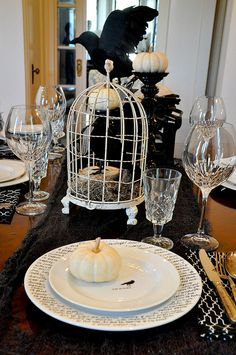 Fab Halloween table.