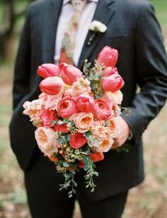 Bright, beautiful #tulip bouquet. Photography: Leo Patrone - leopatronephotography.blogspot.com