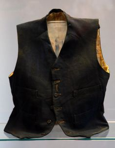 """Titanic Artifact: This vest belonging to a Third Class passenger named William Henry Allen was found in the #Titanic wreckage. In the movie, the character """"Jack"""" wore a vest similar to this artifact. http://www.rmstitanic.net"""