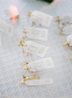 wedding escort cards, gild anim, wedding photography, place cards, anim seatin, card displays, seating cards, gift tags, tiny animals