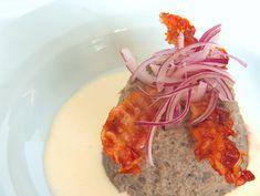 Flan di cipolle di Tropea con fonduta di parmigiano - Il Cavoletto di Bruxelles