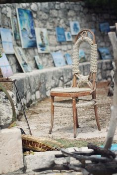 Love this roped wooden chair, very nautical.
