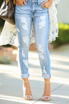 fashion blogger, petite fashion blog, fashionista, lace and locks, los angeles fashion blogger, boyfriend jeans, morning lavender boutique, lace kimono, steve madden stecy sandal, boyfriend jeans, fashion blogger
