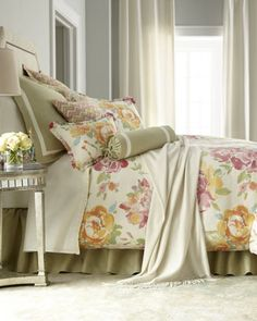 pretty floral bed linens  http://rstyle.me/n/ersmvpdpe