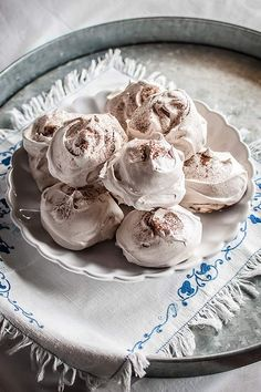 Merengues I: cómo hacer merengue francés y merengue japonés - María Lunarillos | Tartas provocativas: Inspiración