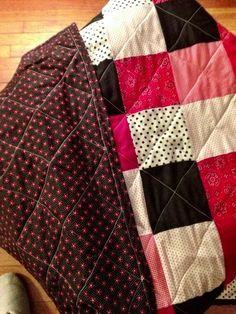 I Made a Quilt! (And so can you!)  Beginner's Quilt via themodernausten.com