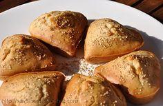 http://www.laurasava.ro/2010/09/19/muffins-cu-tahini-si-susan/