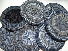 Upcycling jeans into coasters or trivets. #DIY @Karen Ferris Joi Art did you see this?