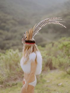 #feathers #pretty #softcolours lovely headdress, lovely girl
