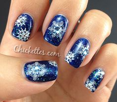 Winter / Holiday Snowflake Nail Art (from chickettes.com)