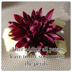 How to make a Dahlia Without Cutters - by LMCakeDesign @ CakesDecor.com - cake decorating website