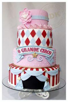 Grand Circus Cake by Arte da Ka
