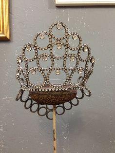 Vintage 1960's tiara, beauty pageant crown.