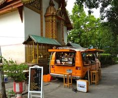 Republic Coffee van in Chiang Mai. HOW FUN !!