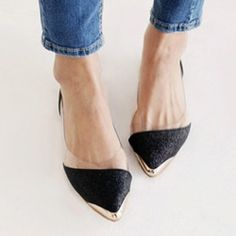 Loving these flats//round toed please :)