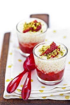 Tapioca pudding with stewed strawberries
