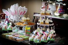 Easter Party Decoration Ideas - find more Easter Party ideas at http://www.birthdayinabox.com/party-ideas/guides.asp?bgs=96