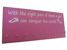 Medals display rack - conquer the world: Running On The Wall