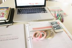 How do you organize your blogging schedule?