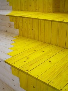 Mixed wood colors | White and Yellow