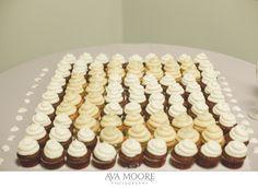 Anthony and Nicole's wedding cupcakes arranged in a monogram | photo credit Ava Moore Photography #WeddingCupcakes #CupcakeDownSouth #CharlestonSCweddings