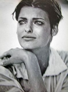 Linda Evangelista photgraphed by Peter Lindbergh, Vogue Italia, 1989