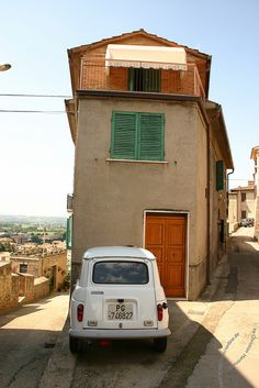 small car, small house
