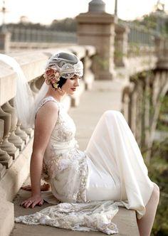 Vintage bride's 20's Gatsby flapper veil