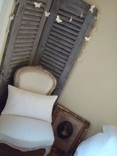 I finally found some old shutters thsi weekend!! Trying to decide how I will decorate with them.