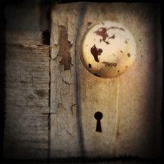Keyhole - Catherine Howie