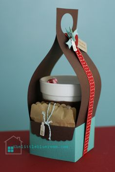 cute coffee or cocoa carrier--- gift or winter picnic