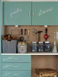 10 Ways to Organize the Garage