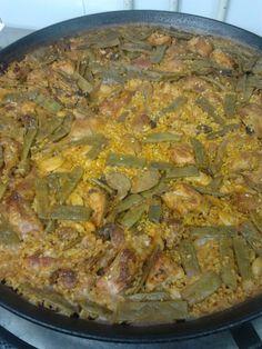 Paella valenciana by Chef Arolas.