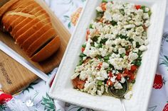 Easy Greek Salad  #howdoesshe #greeksalad #spinach #sidedish #partysnack #easygreeksalad howdoesshe.com