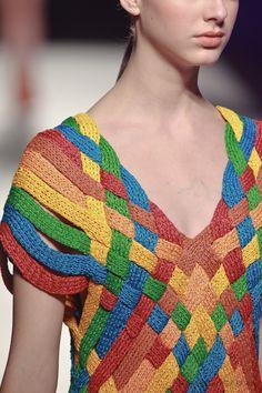 Weaving as knitting. Helen Rödel: Spring Summer 2013 MMXII Lookbook