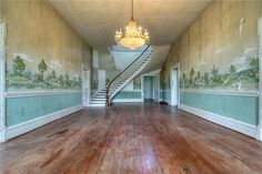 Center hall, 4009 Carters Creek Pike, Franklin Tennessee, ca.1850. Image: Fridrich & Clark Realty, LLC.