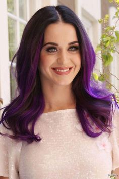 Katy Perry's Purple Hair- another view on the same hair