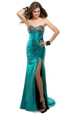 Teal green jersey prom dress | Flirt Prom #stpatricksday #green #flirtprom #style